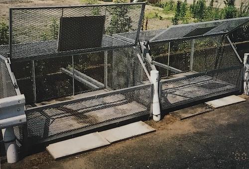 ダンパー付ゴミ収納箱事例2
